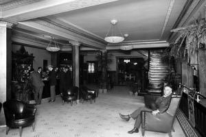 Una foto d'epoca dell'Hotel dall'archivio di http://www.scoutingny.com