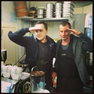 Nik Orosi e Francesco Falcone ubbidiscono ai miei ordini. Ogni tanto essere una delle poche donne della crew ha dei piacevoli risvolti:)